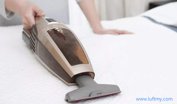 Clean up bedding dust